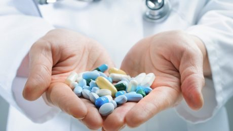 Remédios e planos de saúde terão preços congelados