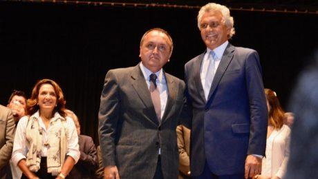 O Secretário da Segurança Pública, Rodney Miranda ao lado do Governador do Estado de Goiás, Ronaldo Caiado durante a nomeação do secretário. Imagem: Secretaria de Segurança Pública