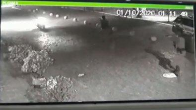 Câmeras registram o momento em que policiais atiram no jovem, por não obedecer às ordens dos PMs